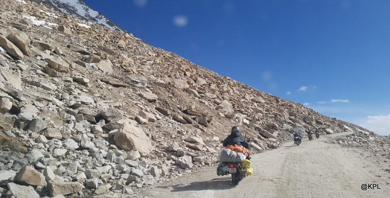 How to rent a bike in Ladakh