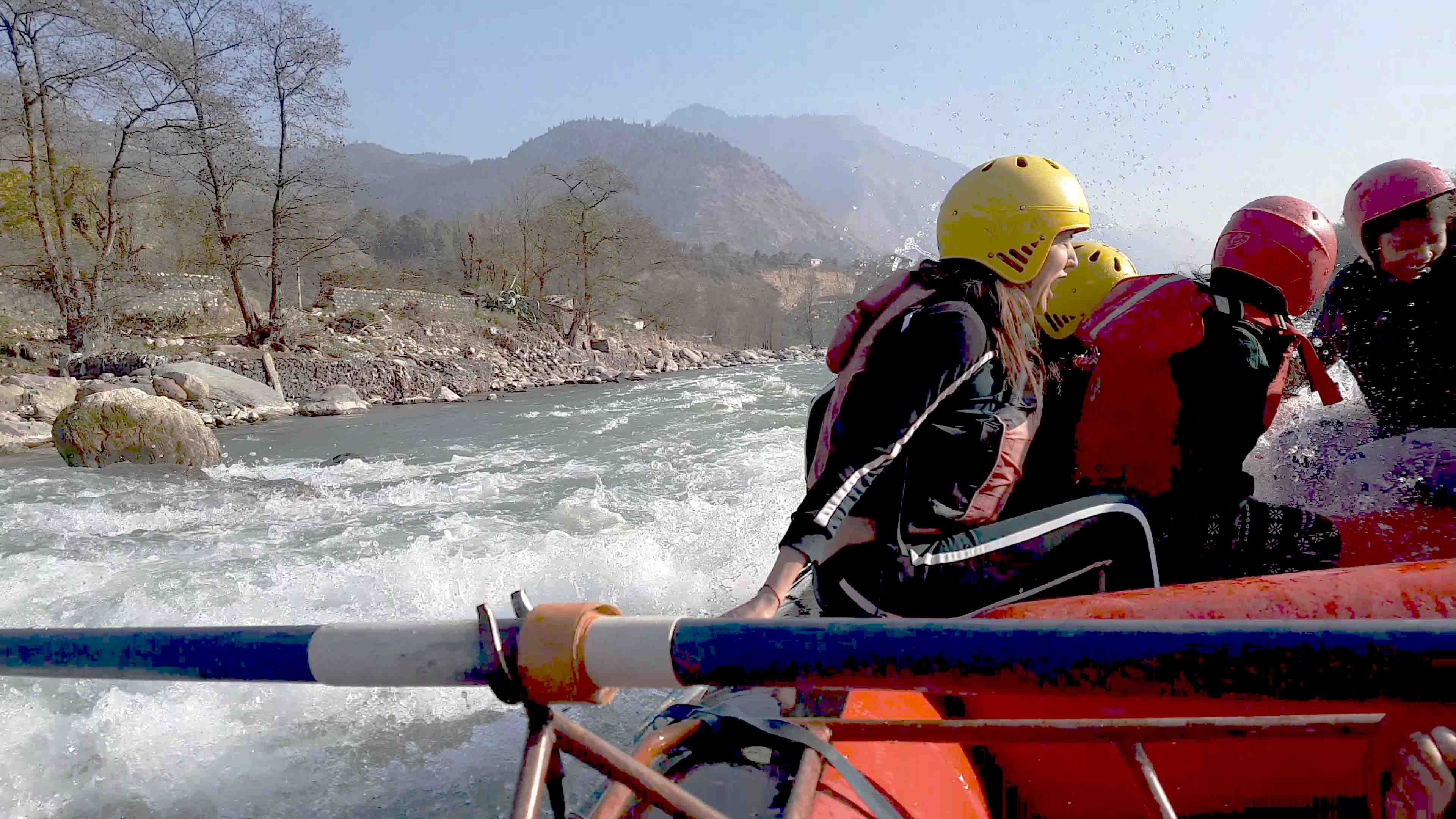 river rafting in kullu-manali